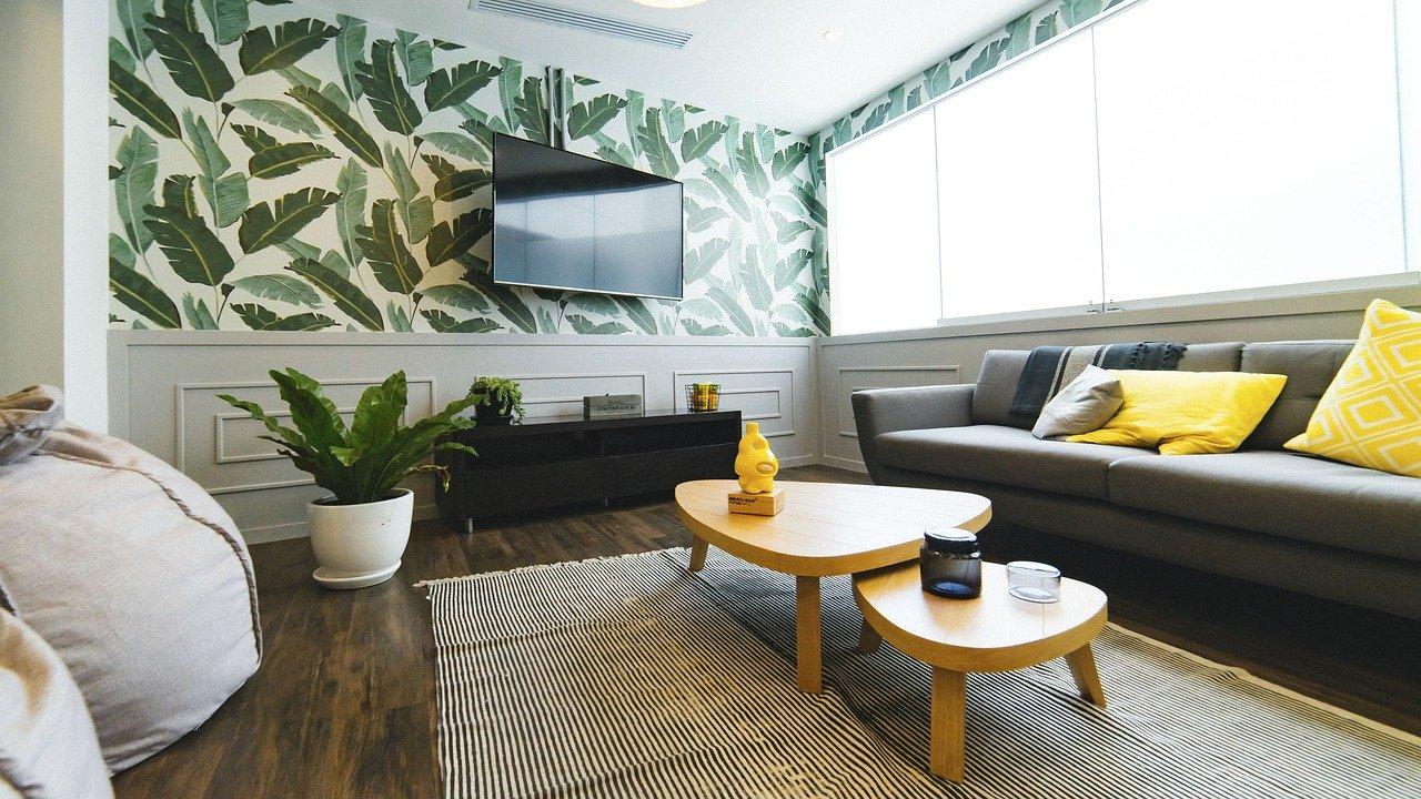 テレビ、ディスプレイのある居間、くつろぐ場所。